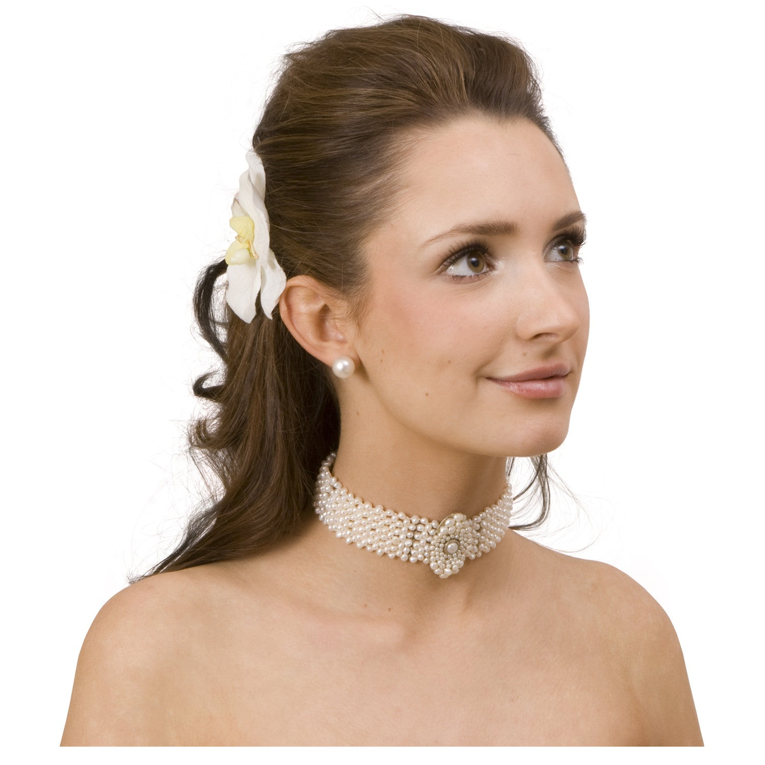 Pearl Choker with Oval Centerpiece