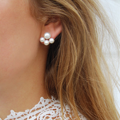 White Freshwater Pearl 'Cuff' Studs