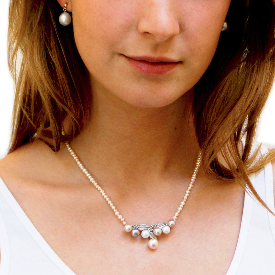 Pearl Necklace with a Silver Pendant