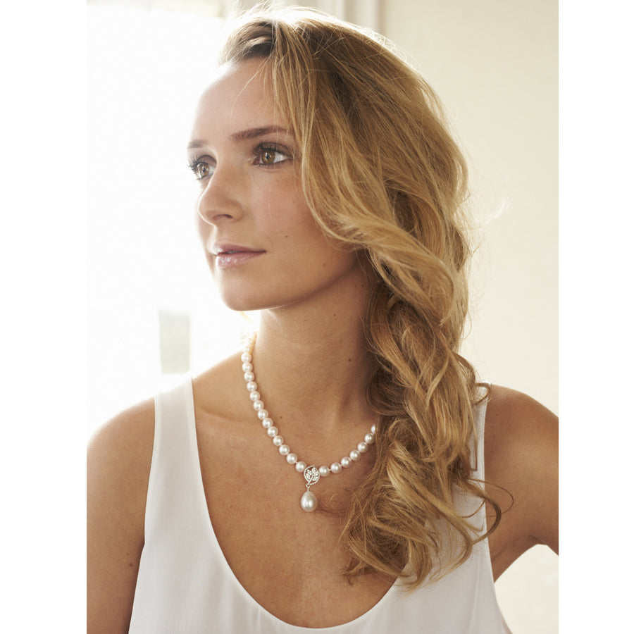 Akoya Pearl Necklace with Diamond Leaf Centrepiece