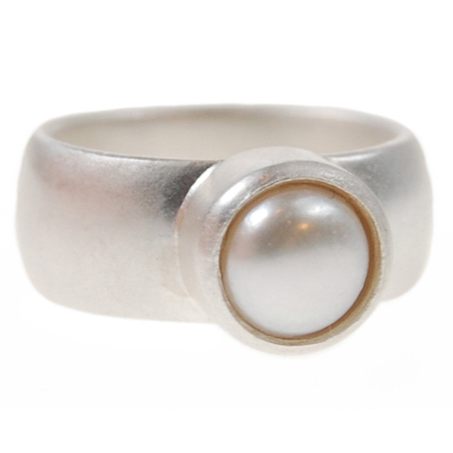 Freshwater Pearl Ring in White