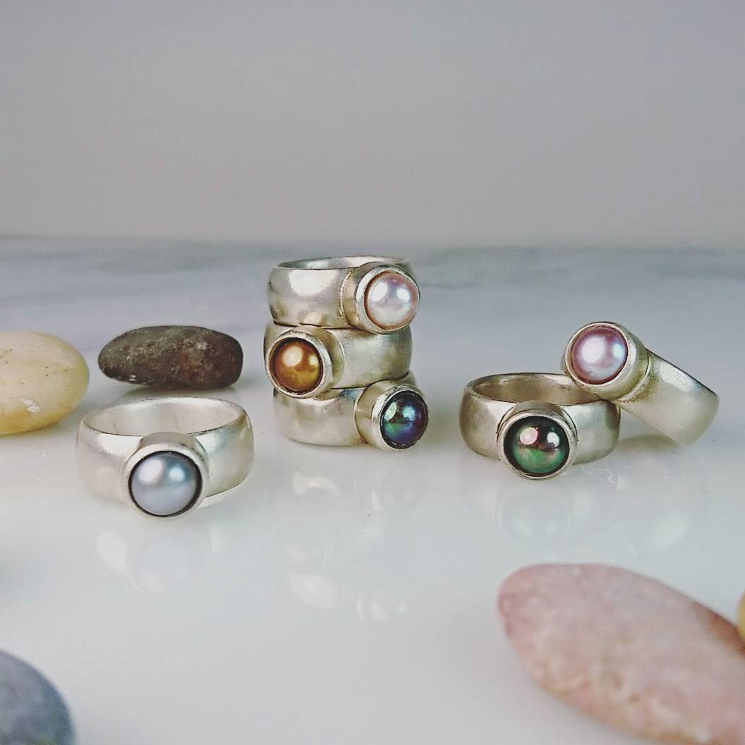 Pink Freshwater Pearl & Sculpted Silver Ring