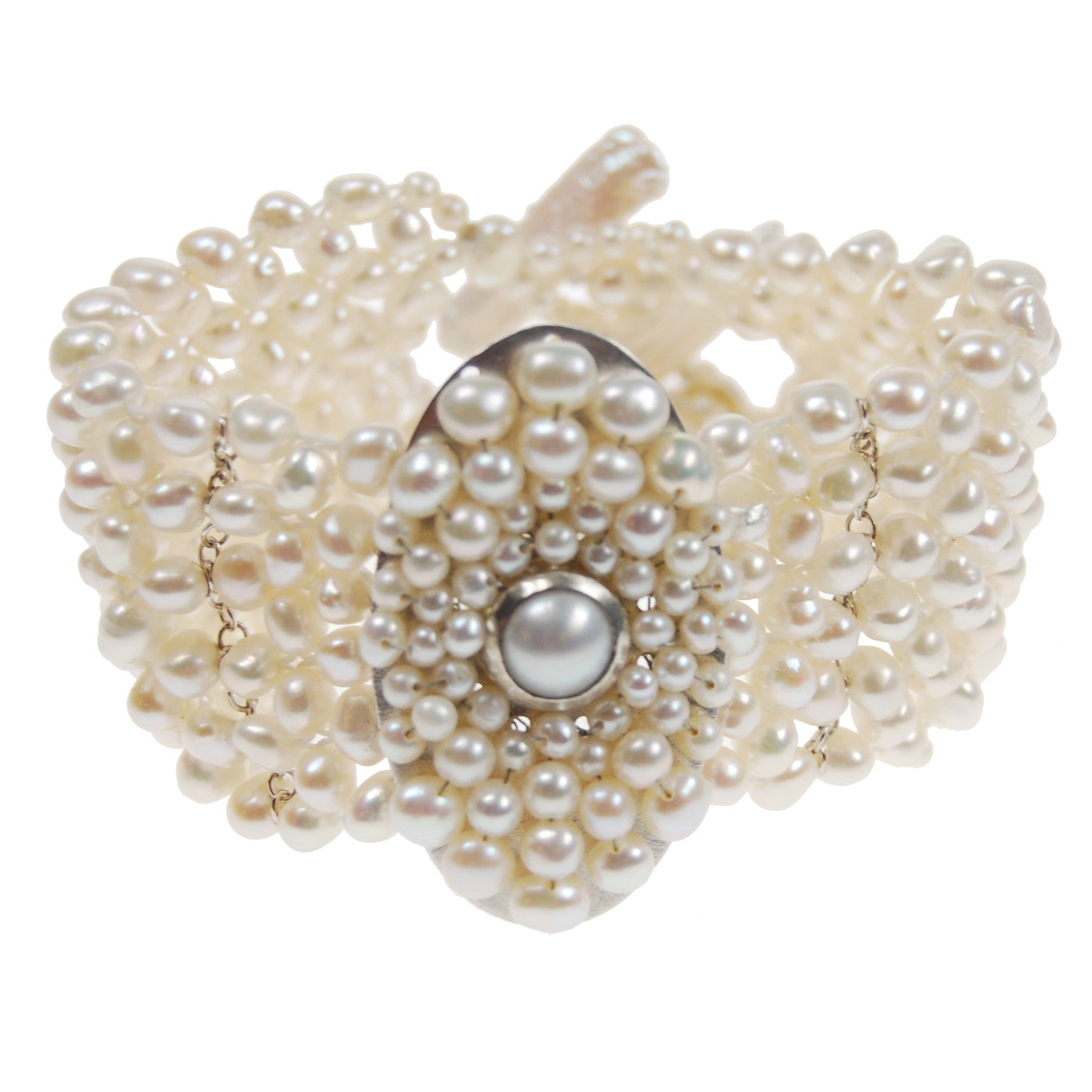 Pearl Bracelet with Oval Centerpiece