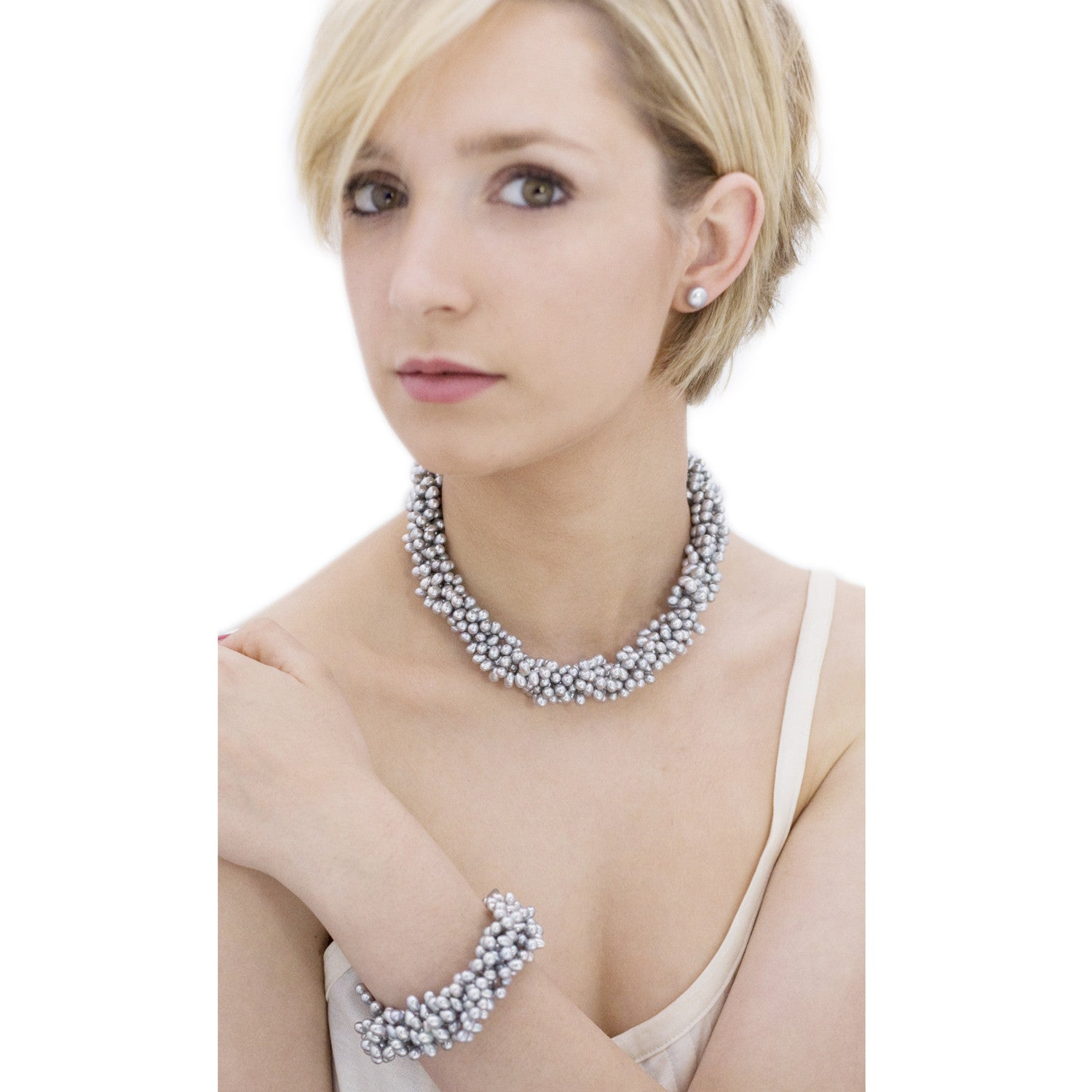 5 Strand Droplet Pearl Choker in Grey