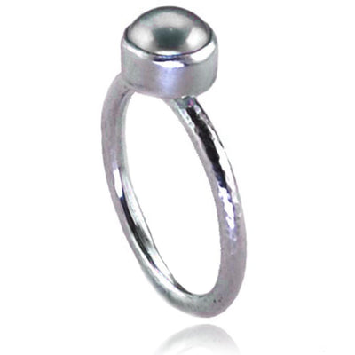 Sterling Silver Ring with  dove grey Freshwater Pearl