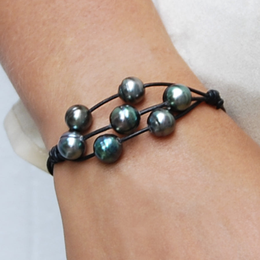 Raw Seven Central Cultured Tahitian Pearl Bracelet in Black