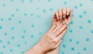 Winter Nail Colors You Must Try Out