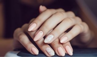 Gel Nails vs. Acrylic: Which To Choose