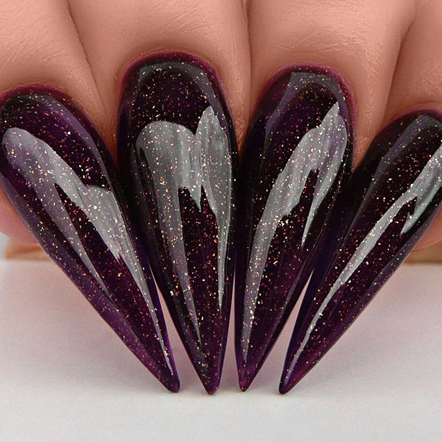 D482 Stiletto Nails
