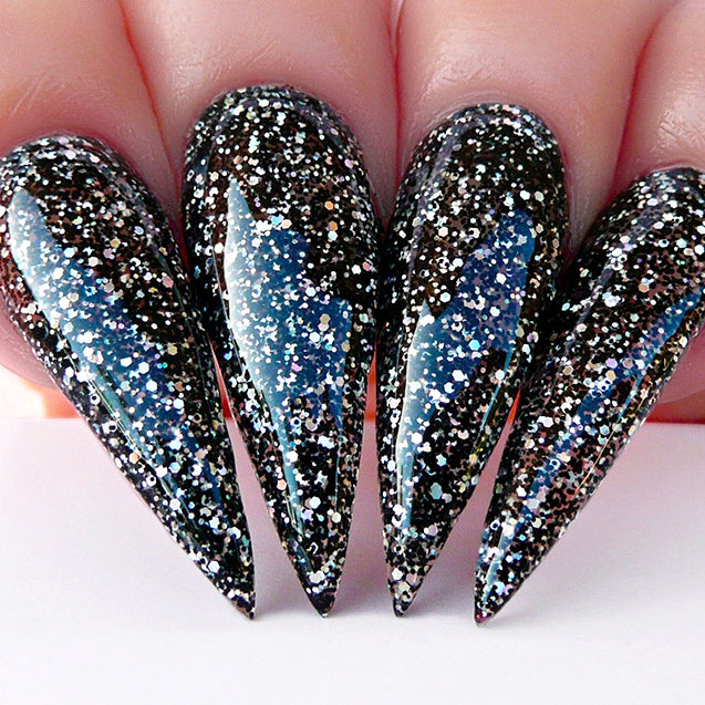 D436 Stiletto Nails