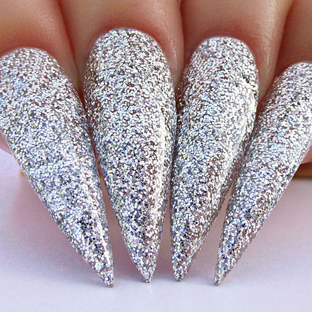 D489 Stiletto Nails