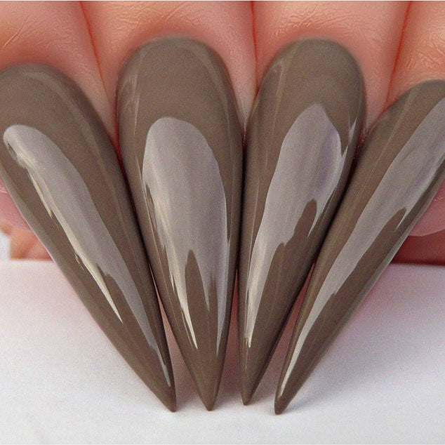 G512 Stiletto Nails