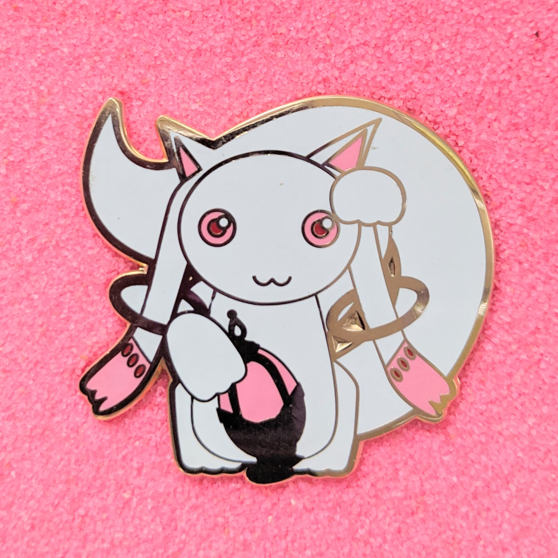 Maneki Neko Lucky Cat Kyubey - Enamel Pin