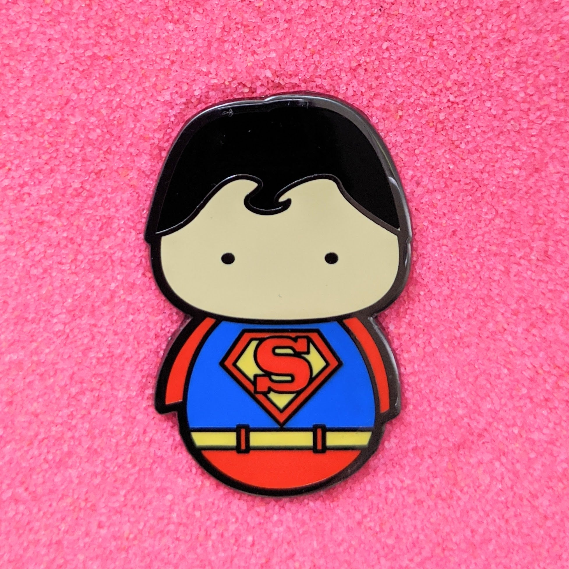 Kokeshi Superman - Enamel Pin