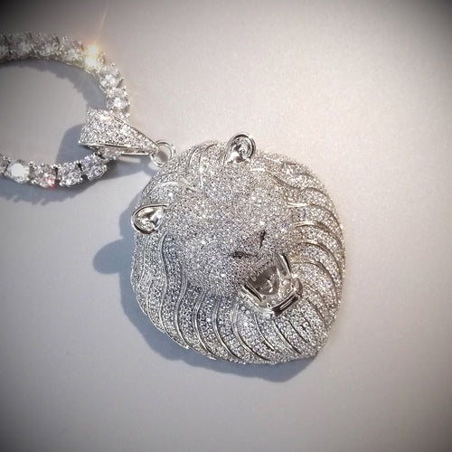 Iced Lion Pendant - Different Drips