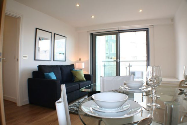 1 Bed For Sale, Aqua Vista Square, London E3