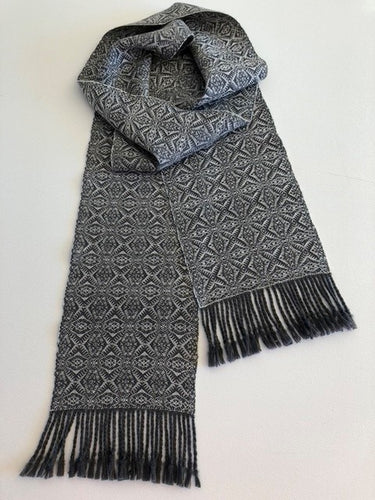 Wool scarf (grey and white)
