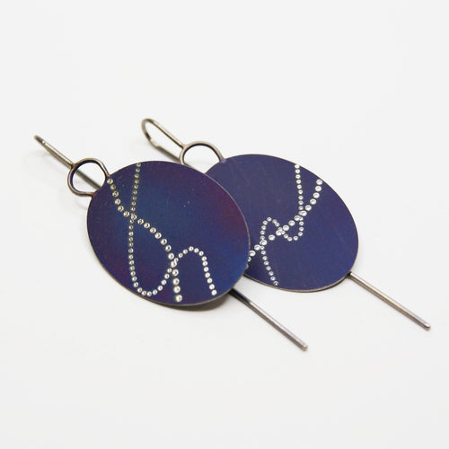Meander oval short drop earrings in blue