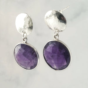 Faceted amethyst hammered disc earrings approx 3cm drop