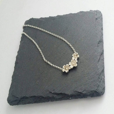 Sterling silver, 3 flower pendant necklace, 24mm x 12mm.