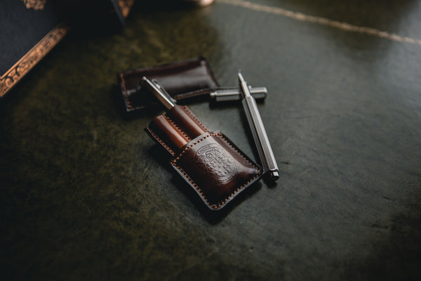 leather double pen holder with coupland crest