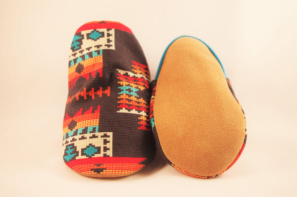 Baby Moccasins in Black