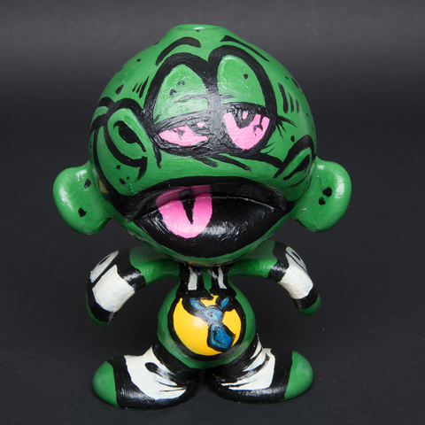 LUDA / TMONEY HAND PAINTED GLASS MUNNY
