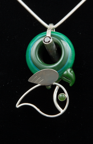 ADAM CAVER/CALM GLASS BIRDLING PENDANT WITH SILVER BODY