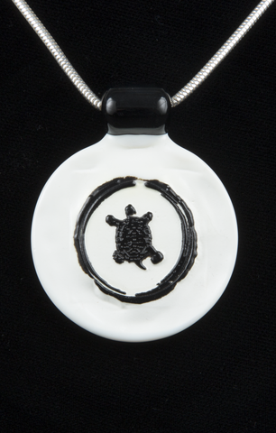JORGENSON TURTLE GLASS PENDANT