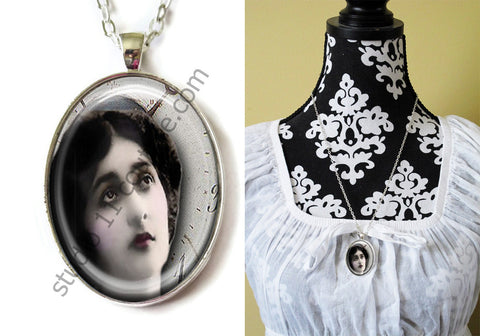 FREE Shipping Silver Plated Metal and Chain Necklace Gothic Steampunk. ZOMBIE STEAMPUNK 20.23