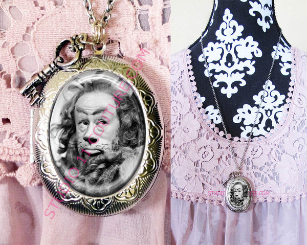 FREE SHIPPING Large Silver Plated Locket Necklace Cowardly Lion Wizard of Oz WOZM.22