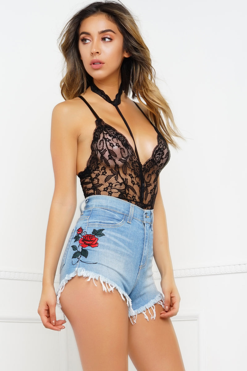 Wanda Denim Shorts - Embroidered Rose