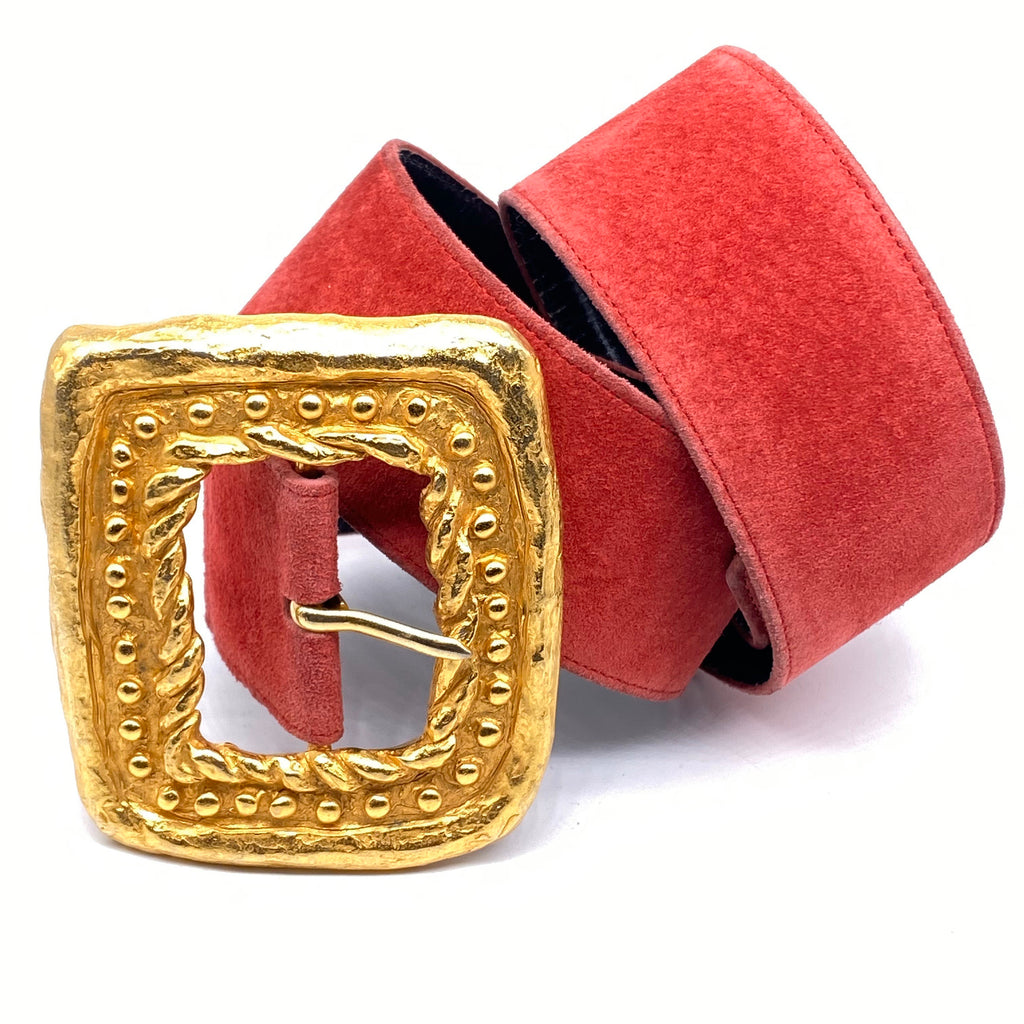 Christian Lacroix Paris 1980s red suede belt with big casted golden metal buckle, mint condition - viceversashop
