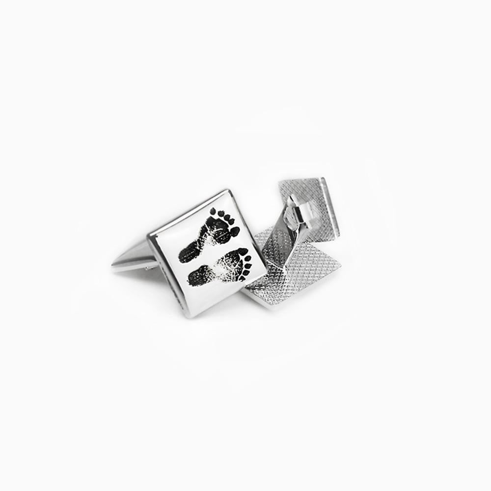 Cufflinks with engraved prints- the accessory for men