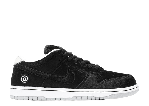 NIKE SB DUNK LOW X MEDICOM TOY 'BE@RBRICK'