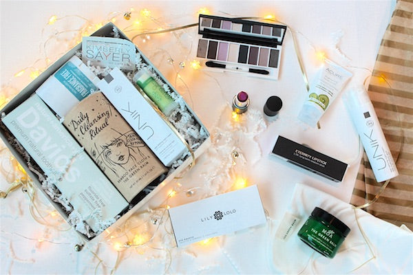 The GREEN & Glamorous Box to Support Living Beyond Breast Cancer