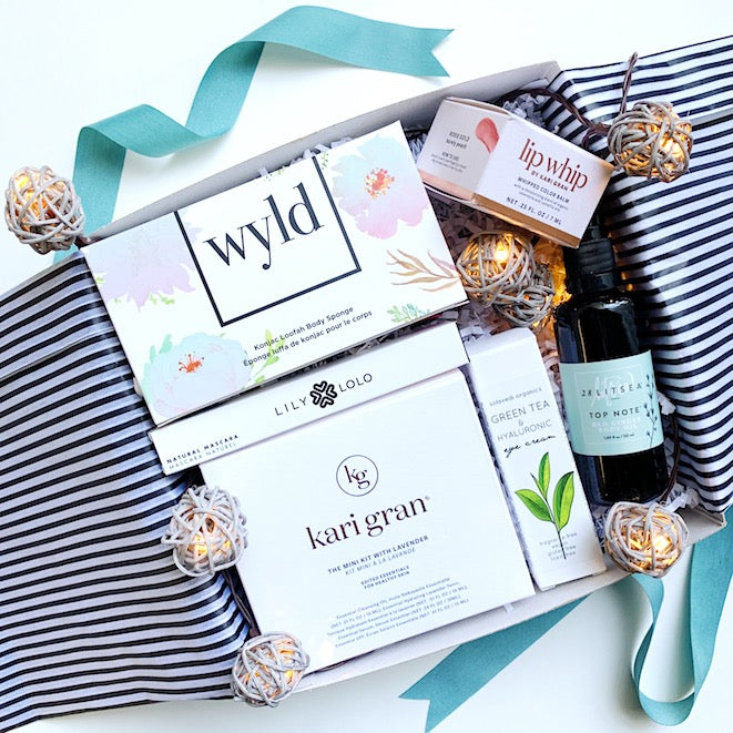 Holiday Green Glam Beauty Box