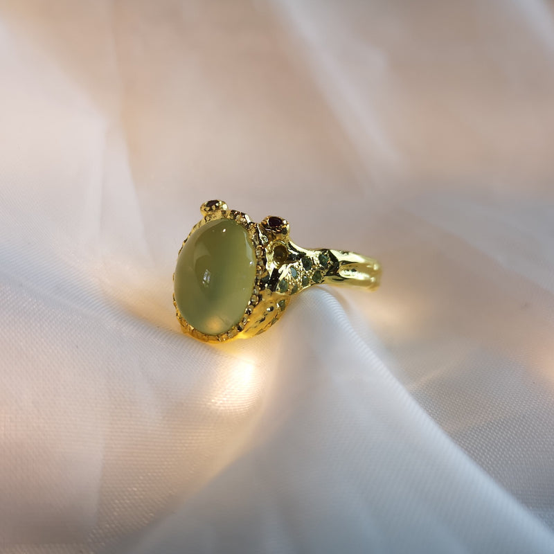 Chrome Chalcedony Ring