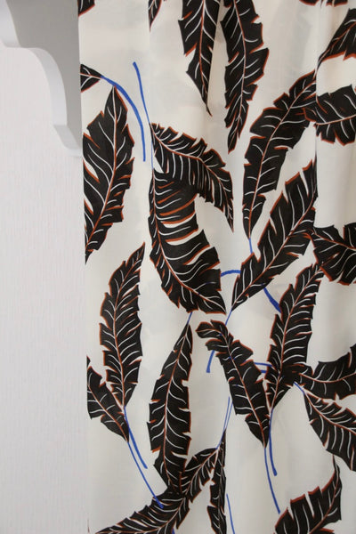 White viscose with large leaves - €25/m