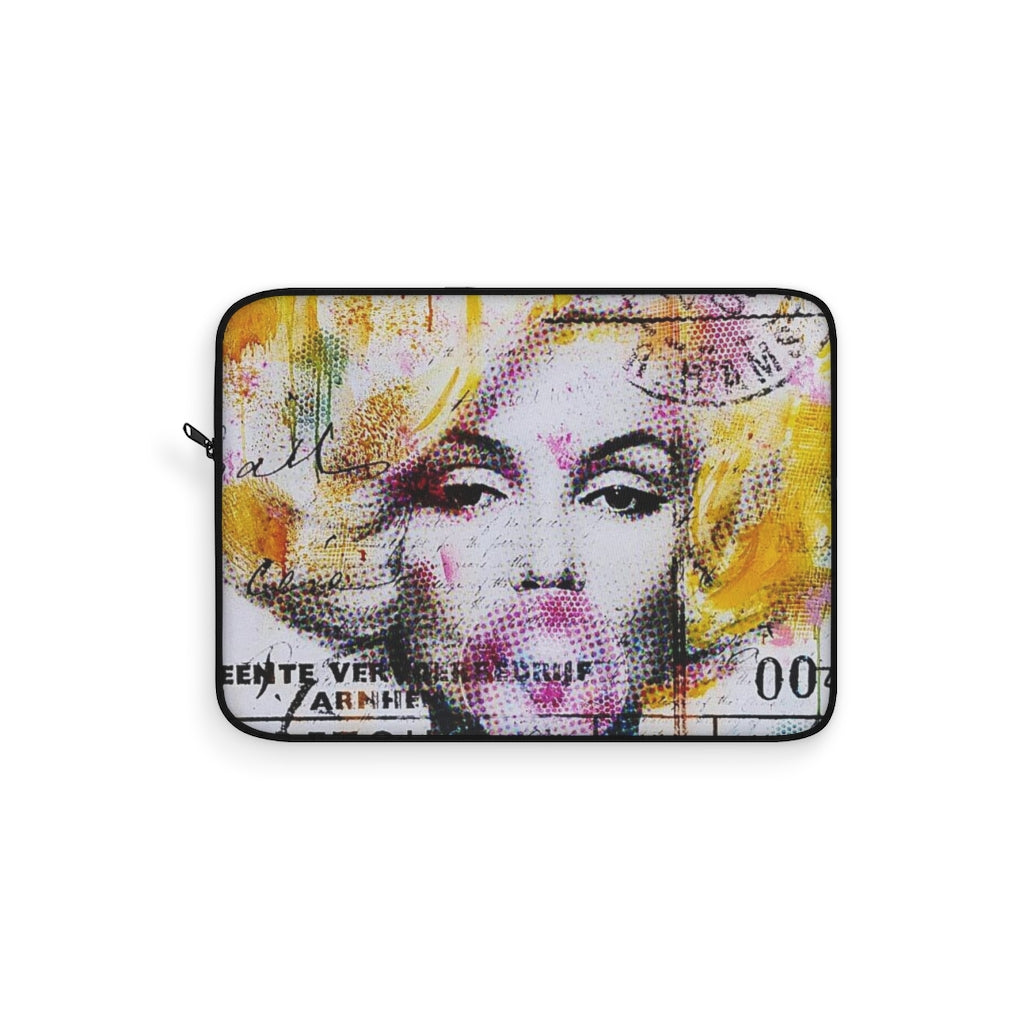 MARLYN BUBBLE GUM - LAPTOP SLEEVE - STUDIO ART STREET