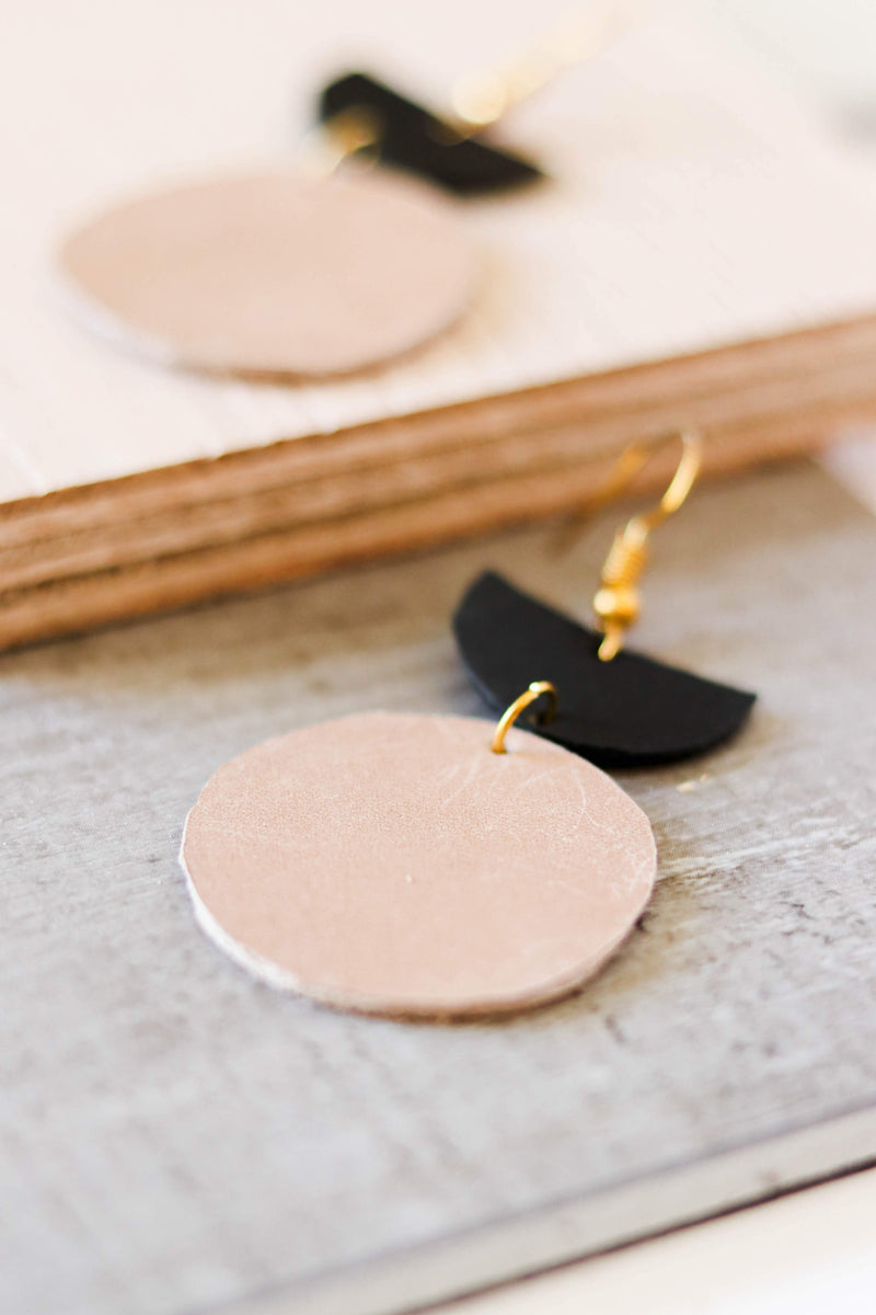 Colorblock Leather Earring (Tan/Black)