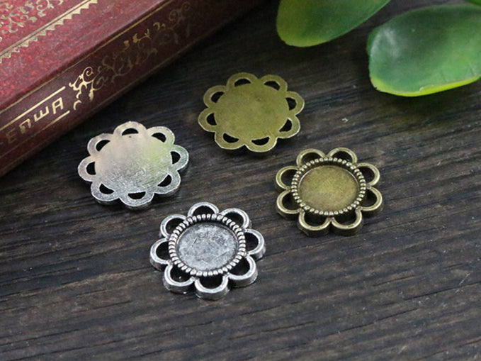 8mm Inner Size Antique Bronze And Silver Flower Style Base Setting Charms Pendant