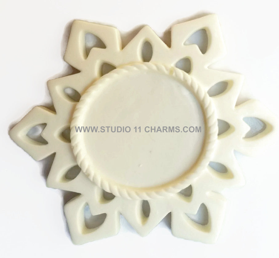 12 Resin Frame Setting Bezel Snow Flake Style fit 1in or 25mm cameo WHITE 57.3