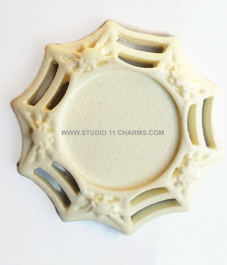 12 Resin Frame Setting Bezel Spider Web Gothic fit 1in or 25mm cameo WHITE 58.3
