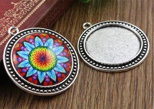 30mm Inner Size 3 Fashion Colors Plated Classic Style Cabochon Base Setting Charms Pendant Tray