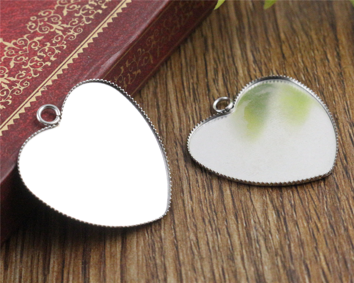 25mm Never Fade Heart Stainless Steel Sawtooth Copper Blank Tray Pendant