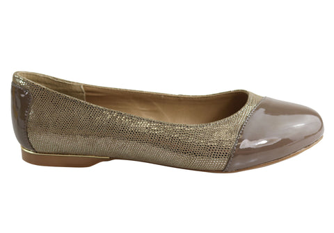 Hush Puppies Wendyll Womens Leather Taupe Flats