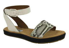 Clarks Romantic Moon Womens Leather Sandals