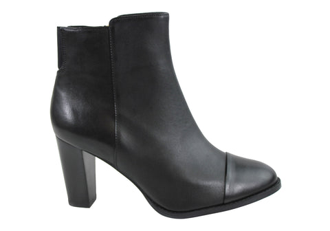 Clarks Kacia Alfresco Womens Leather Ankle Boots