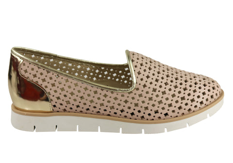 Gino Ventori Beholder Womens Comfortable Leather Laser Cut Flats